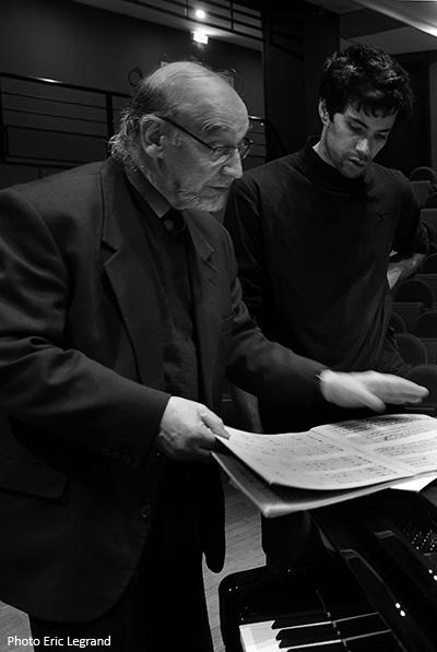 En compagnie du jeune chef d'orchestre Léo Margue au cours d'une séance d'enregistrement d'œuvres d'Ivan Wyschnegradsky - 21 février 2016